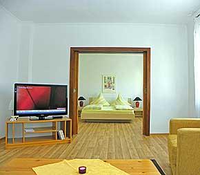 4 ferienwohnungen bernkastel mosel familie gruppen 6. Black Bedroom Furniture Sets. Home Design Ideas